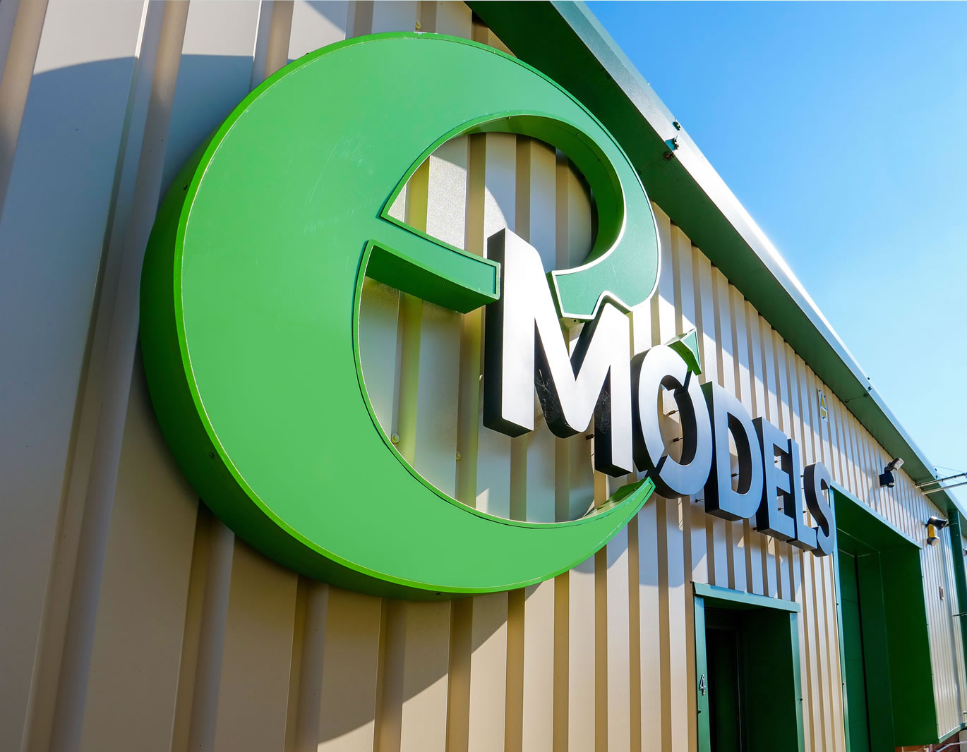About eModels, the model hobby store with real scale model