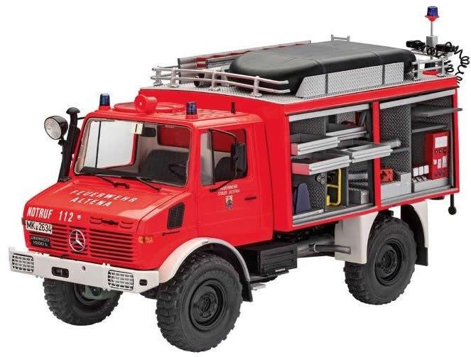 Revell 1/24 Unimog U 1300L RW1 # 07531